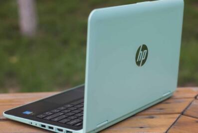 """惠普pavilion x360 11-k048tu是一款11.6英寸校园学生二合一迷你笔记本。该机搭载了英特尔酷睿m5y10c处理器,无论是工作还是娱乐都能够轻松搞定。硬朗的线条,以及前后端的斜切式设计,让你情不自禁的喜欢上它。那么这款笔记本如何一键U盘安装win7系统呢?下面跟小编一起来看看吧。  安装方法:  1、首先将u盘制作成u盘启动盘,接着前往相关网站下载win7系统存到u盘启动盘,重启电脑等待出现开机画面按下启动快捷键,选择u盘启动进入到大白菜主菜单,选取""""【02】大白菜win8 pe标 准 版(新机器)""""选项,按下回车键确认,如下图所示:.  2、在pe装机工具中选择win7镜像放在c盘中,点击确定,如下图所示:..  3、此时在弹出的提示窗口直接点击""""确定""""按钮,如下图所示:.  4、随后安装工具开始工作,我们需要耐心等待几分钟, 如下图所示:  5、完成后,弹跳出的提示框会提示是否立即重启,这个时候我们直接点击立即重启就即可。  6、此时就可以拔除u盘了,重启系统开始进行安装,我们无需进行操作,等待安装完成即可。  以上就是惠普pavilion x360 11-k048tu如何一键u盘安装win7系统操作方法,如果惠普pavilion x360 11-k048tu用户想要安装win7系统,可以根据上述操作步骤进行安装"""
